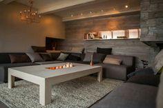 Slik laget «Tid for hjem Roomspiration, Luxury Interior, Interior Designing, Outdoor Furniture Sets, Outdoor Decor, Modern Spaces, Color Inspiration, Dining Bench, Loft
