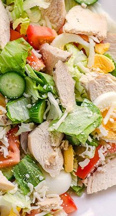 Healthy chef's salad: 2 cups romaine lettuce* + 2 oz sliced turkey breast + 1 hard-boiled egg white + 5 grape tomatoes + ⅓ diced avocado + 2 slices red onion; toss with 1 Tbsp olive oil + 2 tsp red wine vinegar. Serve with 2 tangerines.