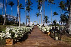 Décor da cerimônia em Trancoso - Fotos Flávia Vitória Photo Ronaldo, Marry You, Sidewalk, Travel, Weddings, Tropical Weddings, Royal Weddings, Wedding On The Beach, Wedding Blog