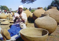The Buhera Basket Club in Zimbabwe offers local women local basket marketing opportunitiesf, Photo credit Jane Stillwell African Crafts, African Art, Anthony B, Zimbabwe Africa, Marketing Opportunities, Local Women, Out Of Africa, African Diaspora, Indigenous Art