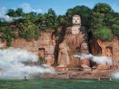 O GRANDE BUDA DE LESCHAN é a maior estátua esculpida em pedra de Buda do mundo, com 71 metros de altura. Foi construída na dinastia Tang no lado leste da montanha Emei, em Leshan, Província de Sichuan, na China.