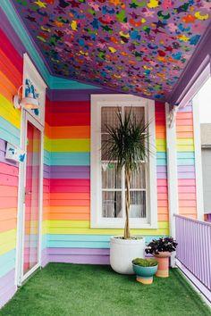 Este 1930 Austin Bungalow es un arco iris mágico por dentro y por fuera – Rainb… This 1930 Austin Bungalow is a magical rainbow inside and out – Rainbow House is a cute nail salon – Bungalow, Rainbow Bedroom, Rainbow Room Kids, Rainbow Theme, Rainbow Colors, Rainbow House, Rainbow Wall, Decoration Bedroom, Room Decorations