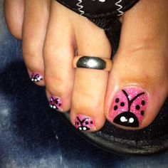 Lady bug toe nails !! ;) with pink sparkle powder.