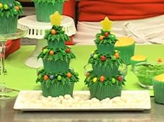 Christmas tree cupcakes in Recipes for babies, children and adults parties, such as birthdays, celebrations, anniversaries or dinners