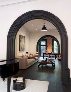 A Brooklyn Heights townhouse has been re-invented through a collaboration of an inspired client vision and a creative architectural realization with. Brownstone Interiors, Nyc Brownstone, House Interiors, Modern Townhouse Interior, New York Townhouse, 1930s House Interior, New York Loft, Open Space Living, Living Spaces