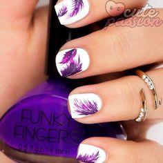 Purple feathers #fethersnails #Padgram