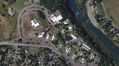 Officers respond to mass shooting at Oregon community college - http://www.baindaily.com/officers-respond-to-mass-shooting-at-oregon-community-college/