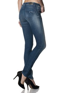Push Up Wonder Jeans are perfect to enhance the attributes of the female body | Salsa #lifeisbetterindenim #salsajeans #jeans #pushup