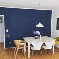 Stiffkey Blue - this colour in our shower room with white tiles Apartment Interior, Apartment Design, Drawing Room Blue, Blue Feature Wall, Room Color Combination, Stiffkey Blue, Dining Room Centerpiece, Colourful Living Room, Dining Room Inspiration