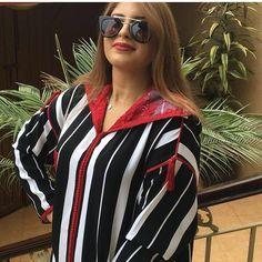 Jellaba raw3a Mode Abaya, Mode Hijab, Hijab Fashion, Fashion Outfits, Womens Fashion, Morrocan Kaftan, Caftan Gallery, Style Marocain, Girl Fashion Style