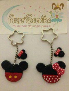 Cute Polymer Clay, Cute Clay, Polymer Clay Crafts, Diy Clay, Felt Crafts, Diy And Crafts, Fiesta Mickey Mouse, Minnie Mouse Party, Disney Diy
