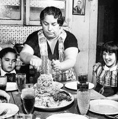 """This is what comes to my mind when I think about Sunday at 1 o'clock. Happy Mothers Day Mum"" Love Jack. #italianmothersday #mum #pasta #napoli #newyork #madrid #jackpercoca #condeduque #bemorejack #malasaña #madriddiferente #cocktails #prohibition #goodfellas #friends #pizza by jack.percoca"