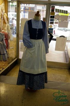 Caseras European Dress, Apron, Dresses, Fashion, Embroidered Clothes, Aprons, Baby Doll Clothes, Facts, Homemade
