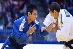 Judoca Eric Takabatake comemora medalha de bronze no Grand Prix de Jeju