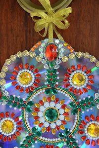 El tutorial ideal para aprovechar los viejos y estropeados CDs. ¡Mandalas para decorar en Navidad!