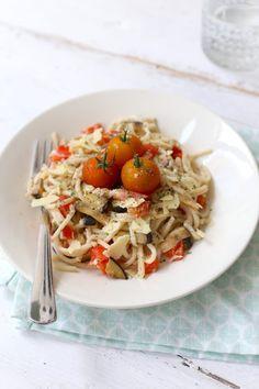 Pasta met boursin, aubergine en paprika - Lekker en Simpel Pasta Met Broccoli, Broccoli Casserole, Tempeh, Tofu, Boursin, English Food, Just In Case, Vegetarian Recipes, Spaghetti