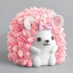 Girly and cute pink hedgehog birthday cake for girls birthday party Pretty Cakes, Cute Cakes, Beautiful Cakes, Amazing Cakes, Hedgehog Cake, Hedgehog Birthday, Cute Baking, Luxury Cake, Cute Desserts