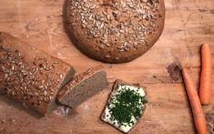 Dinkelbrot mit Karotten - Backen mit Christina How To Dry Basil, Herbs, Food, Nadja, Muffins, Biscuits, Pastries Recipes, Quark Recipes, Muffin