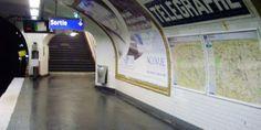 Mise en service en 1935, cette station de la ligne 11 doit son nom à la rue du Télégraphe.    Cette dernière était un ancien chemin situé en haut de la colline de Belleville où le physicien français Claude Chappe avait expérimenté son invention à la fin du XVIIIe siècle.  La station a la particularité d'être la plus profonde du métro parisien (20 mètres sous terre). Le lieu a ainsi pu servir de refuge pendant la Seconde Guerre mondiale.