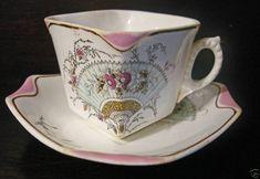 Chocolate Cups, Chocolate Coffee, Cup And Saucer Set, Tea Cup Saucer, Vintage Tableware, China Tea Cups, Mad Hatter Tea, Tea Service, Ceramic Art