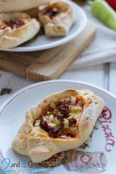Σπιτικά πεϊνιρλί με φέτα, πιπεριά και λιαστή ντομάτα - Craftaholic