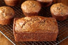Super moist and delicious, these easy One Bowl Buttermilk Bran Muffins roll out of the oven with rounded, bakery-style, tops! Donut Muffins, Honey Bran Muffins, Baked Donuts, Muffins With Buttermilk, Doughnuts, Muffin Tin Recipes, Loaf Recipes, Cake Recipes, Baking Recipes