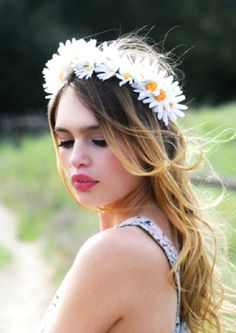 NEW OBSESSION. FLOWER CROWN