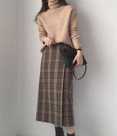 Korean fashion styles 642537071821990430 - – Fashion blouse summer blouse style blouse id… – Korean Blouse Source by koreanblousedesign Modest Fashion, Skirt Fashion, Hijab Fashion, Korean Fashion, Fashion Outfits, Hijab Outfit, Hijab Casual, Ootd Hijab, Hijab Stile