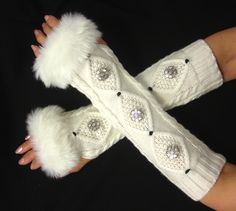 Arm warmer Womens fingerless gloves with Italian buttons - Faux Fur Cuffs