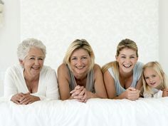 Stock-Foto : Group portrait of four generation family (only women) including girl lying on bed smiling Family Posing, Family Portraits, Family Photos, Couple Photos, 4 Generations Photo, Generation Pictures, College Graduation Photos, Mother And Father, Mothers