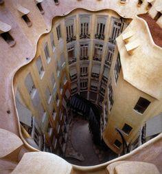 La Pedrera, Barcelona. Pati interior.