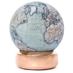 Bellerby and Co The Coppa desk globe (12.195 BRL) ❤ liked on Polyvore featuring home, home decor, fillers, decor, fillers - blue, furniture, backgrounds, copper home decor, blue home decor and copper home accessories