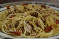 Espaguetis con pollo (plato de aprovechamiento)  http://enmilbatallas.com/2013/11/18/espaguetis-con-pollo-aprovechamiento/