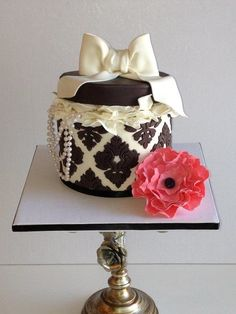 Damask round gift box cake with flower and  pearls!