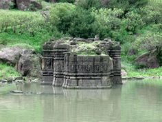 pavagadh 18 Ruins of the Lakulisa Temple, the oldest monument on Pavagadh Hill