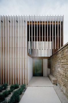 Facade Home Wall. Free Images : Architecture Wood Window Home Arch . Home and Family Architecture Design, Minimalist Architecture, Residential Architecture, Contemporary Architecture, Dubai Architecture, Modern Entrance, Entrance Design, Modern Entry, Modern Living