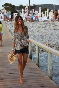 possible tenidas for the beach, Beach Outfits, possible tenidas for the beach - mytenida. Simple Outfits, Short Outfits, Chic Outfits, Fashion Outfits, Womens Fashion, Beach Outfits, Casual Chic, Spring Summer Fashion, Spring Outfits