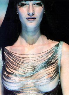 Gisele Bündchen, Alexander McQueen S/S 1998