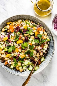This easy mediterranean quinoa bowl is made with tomatoes cucumber feta cheese and olives. Gluten-free vegetarian and packed with plant protein. Greek Salad Recipes, Quinoa Salad Recipes, Veg Recipes, Vegetarian Recipes, Dinner Recipes, Cooking Recipes, Healthy Recipes, Greek Quinoa Salad, Mediterranean Quinoa Salad
