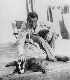 Cary Grant with Boston Terrier. Golden Age Of Hollywood, Vintage Hollywood, Hollywood Stars, Classic Hollywood, Classic Movie Stars, Classic Movies, Classic Man, Gary Grant, Becoming An American Citizen