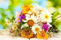 Looking for The Best Cheap Flower Delivery Service? Send Flowers Online With FlowerWyz Online Flowers Delivery Service. Flower Bouquet Pictures, Purple Flower Bouquet, Bouquet Images, Purple Flowers, Fresh Flowers, Gypsophila Flower, Flowers Uk, Orchid Flowers, Spring Flowers