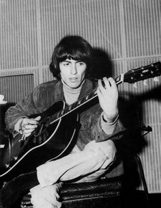 George at EMI Studios during the Rubber Soul sessions, Scan from Beatles Book Monthly No. Beatles Books, Beatles Love, Beatles Photos, Beatles Party, George Harrison, Rubber Soul Beatles, Just Good Friends, What Makes You Beautiful, The Fab Four