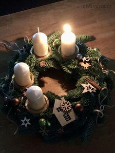 eMimino.cz - Detail fotky Light Up, Christmas Ornaments, Detail, Holiday Decor, Life, Home Decor, Decoration Home, Room Decor, Christmas Jewelry