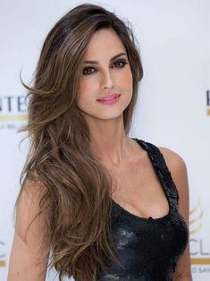 Sexy latina selfie massive cleavage nip slip for Ariadne artiles reflejos