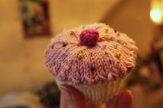 KnittingPony: Knitted Cupcake
