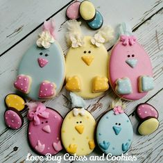 Little Egg Chick's with cotton candy hair feathers for my littlest chicks birthday this weekend! #chicks #cottoncandy #spring #birthday #babyrory #easter #easterbaby #eggs #polkadots #lovebugcookies #decoratedcookies #loudouncounty #leesburg #southriding #ashburn #gifts #cookieart #cute #cookies #pretty #cookieclasses #cookiedecoratingclass