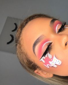 Are you looking for ideas for your Halloween make-up? Browse around this website for perfect Halloween makeup looks. Makeup Eye Looks, Eye Makeup Art, Colorful Eye Makeup, Halloween Makeup Looks, Crazy Makeup, Pretty Makeup, Skin Makeup, Eyeshadow Makeup, Eyeliner