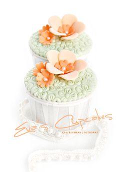 Beautiful fondant cupcake design ideas