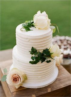 Simplicity can be so elegant. White buttercream wedding cake via Wedding Chicks.