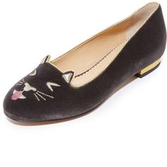 Charlotte Olympia Lol Kitty Flats (1.680 BRL) ❤ liked on Polyvore featuring shoes, flats, charcoal, metallic flat shoes, leather sole shoes, velvet flats, metallic shoes and velvet shoes